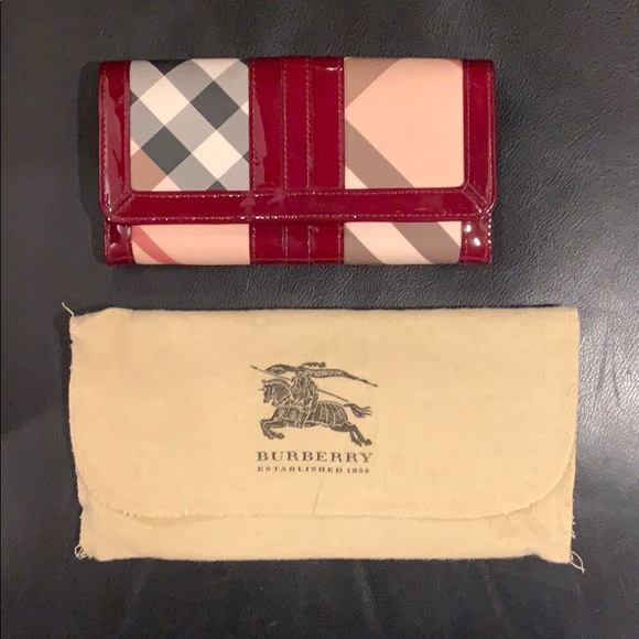 Burberry Handbags - Authentic Burberry wallet